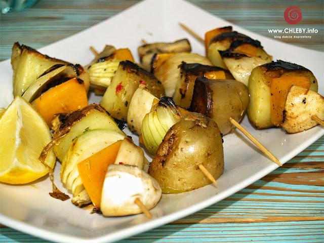 Szaszłyki warzywne z ziemniakami