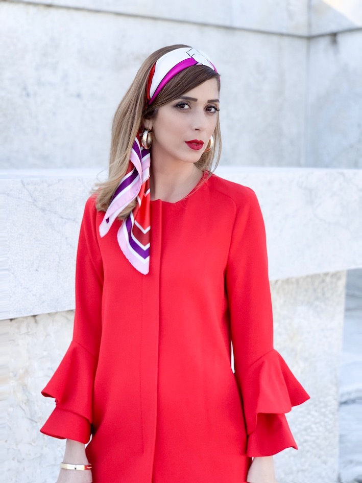 Accessorio must have. torna di moda il Foulard tra I capelli