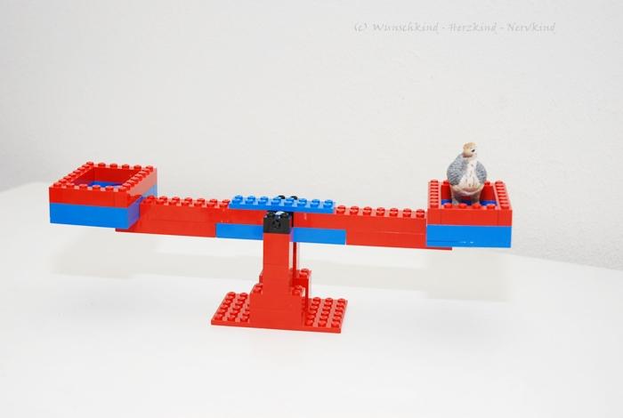 wunschkind herzkind nervkind lernen mit lego die waage und erstes wiegen. Black Bedroom Furniture Sets. Home Design Ideas