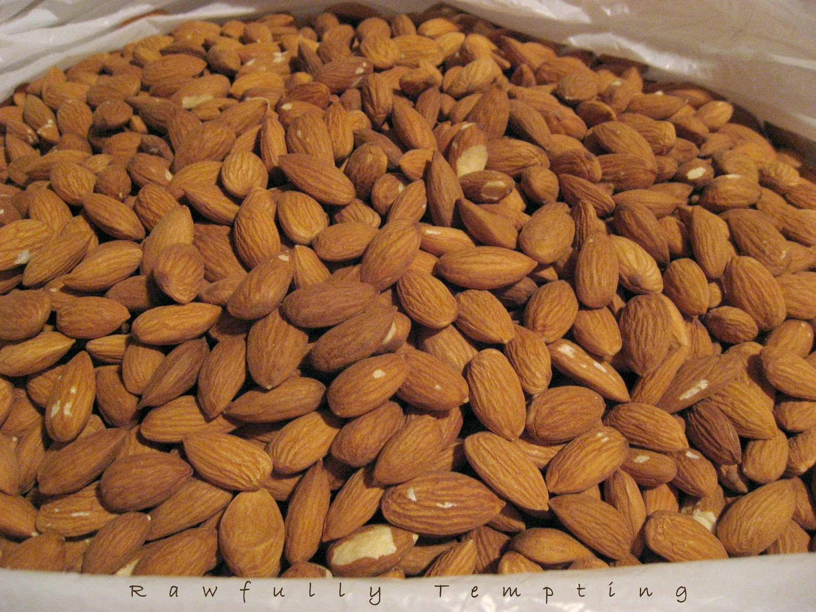 Unpastuerized Almonds - From Farm to Table Almonds