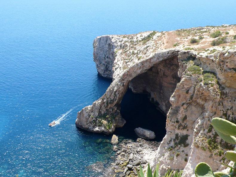 La Gruta Azul   Malta