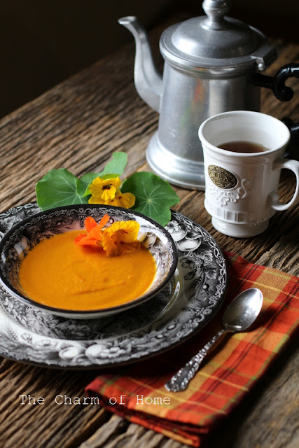 Savory Carrot Soup with Caramelized Onions:The Charm of Home