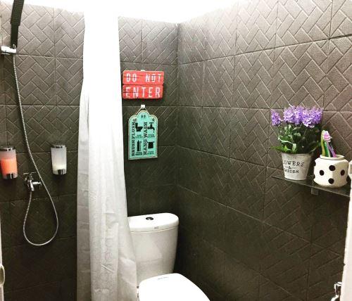 keramik kamar mandi ukuran kecil