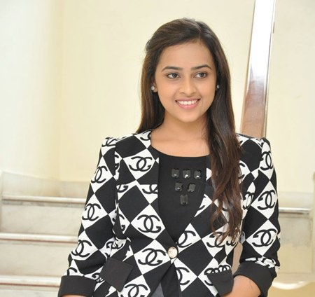 south Indian actress Sri Divya salary for per movie, big screne actress, Income pay per movie, he is in top 10 list of Highest Paid in 2016