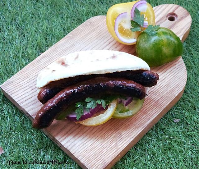 Sandwich pita houmous merguez aux saveurs orientales
