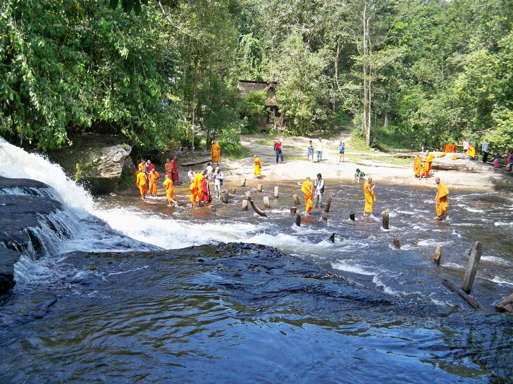 waterfall tour from Mad Monkey Hostel, Siem Reap
