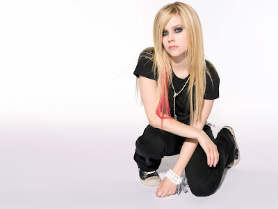 Avril Lavigne Normal Resolution HD Wallpaper 7