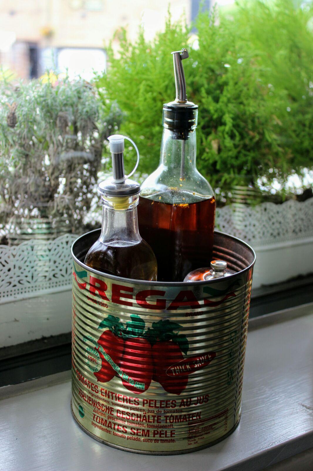 Olive oil condiment pot