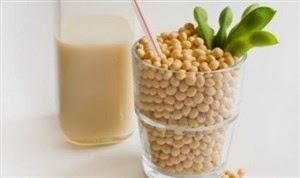 Susu kedelai merupakan salah satu jenis susu yang dibentuk dari kacang kedelai Inilah 11 Manfaat Susu Kedelai Bagi Kesehatan Tubuh