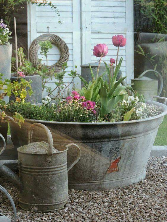Low Maintenance Garden Design: Create A Low-Maintenance Garden!