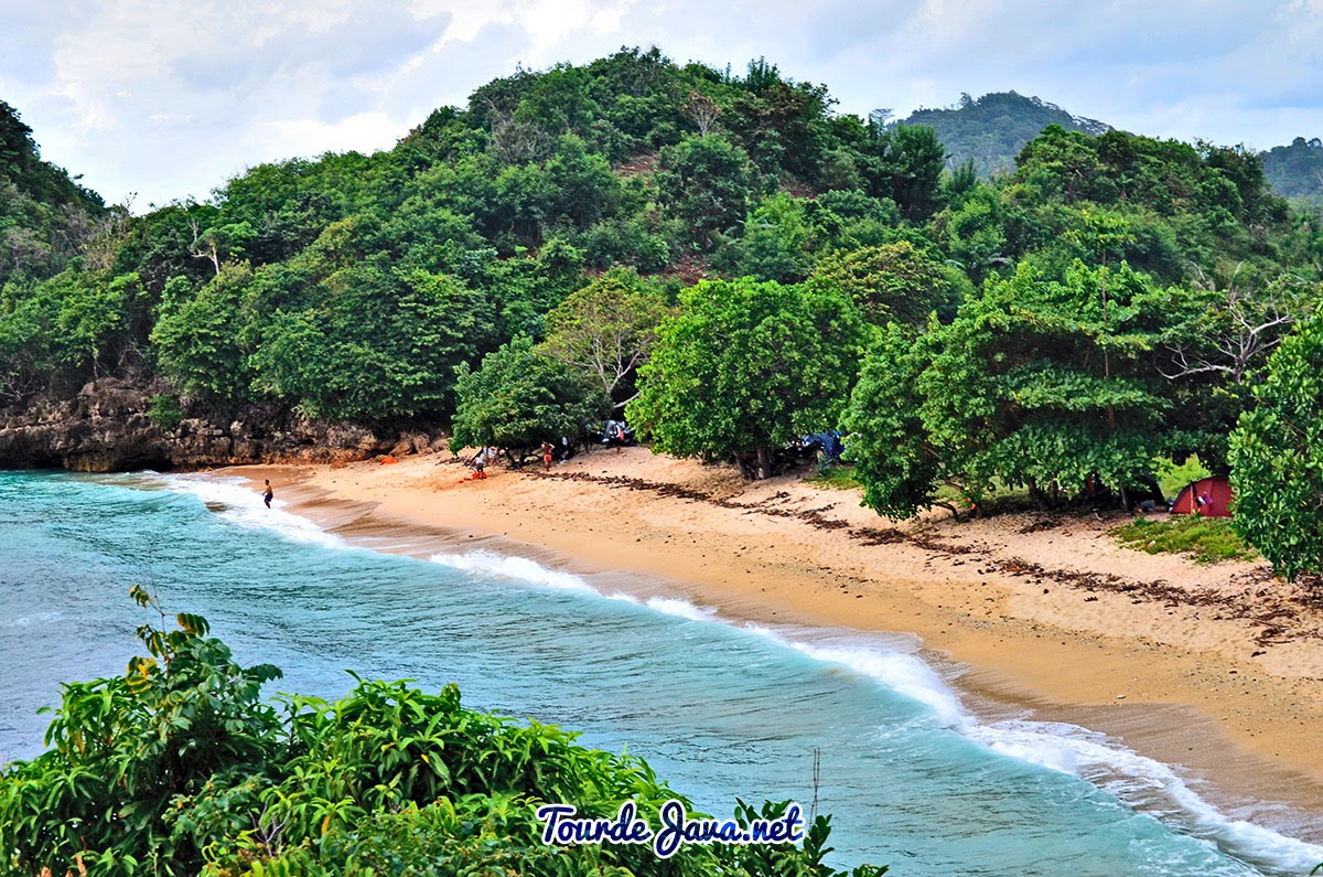 Wisata Alam Di Pantai Gatra Malang Selatan Wisata Pulau Jawa