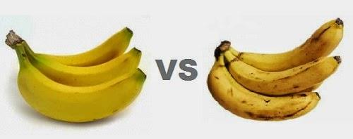 imagen de plátanos verdes y maduros