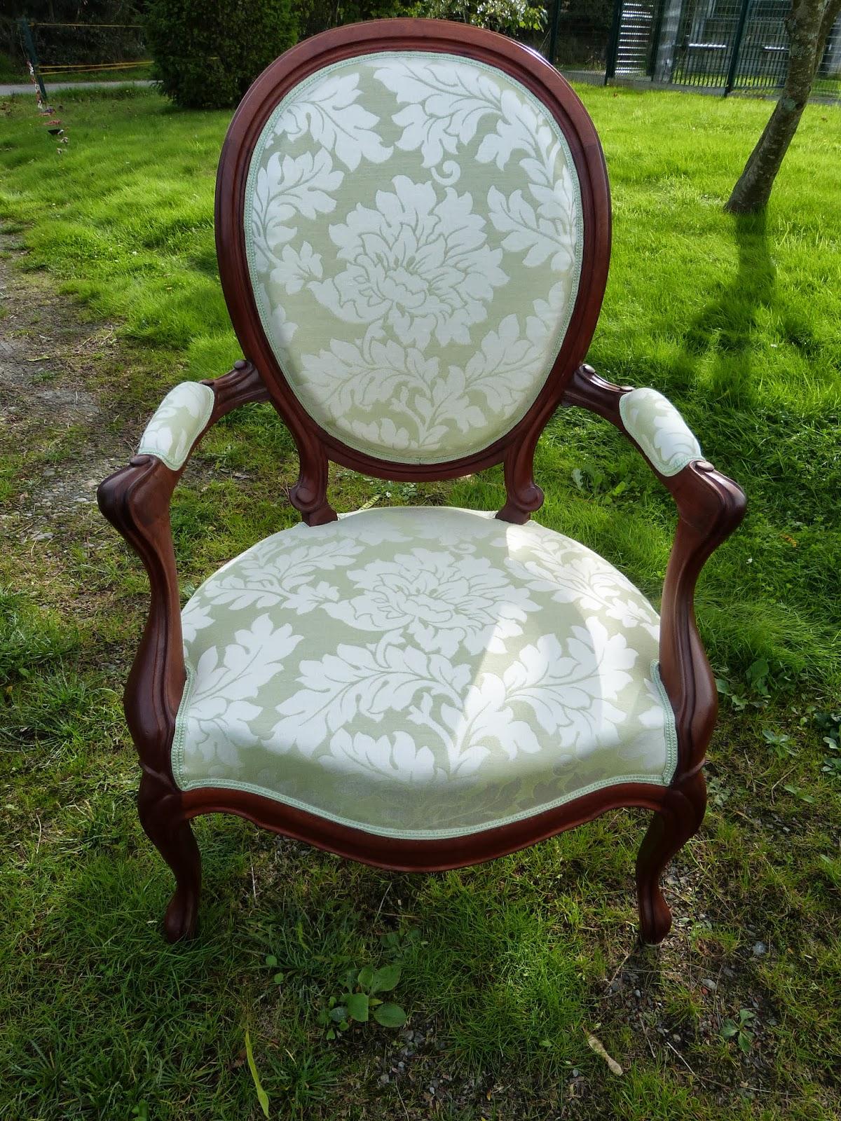 69 fauteuil louis philippe tissu toiles de mayenne les jolis si ges. Black Bedroom Furniture Sets. Home Design Ideas