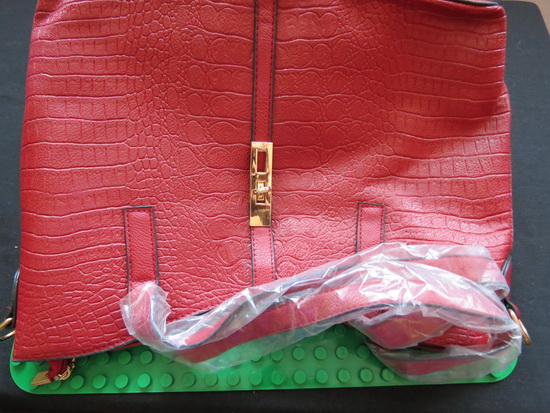 https://www.gearbest.com/women-s-bags/pp_381262.html?wid=21&lkid=12424090