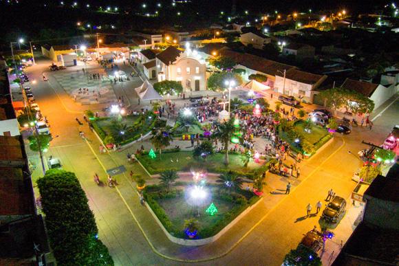 Prefeitura inaugura o Natal mais iluminado da história de Jabitacá com o
