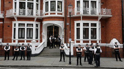 british police outside Ecuador embassy