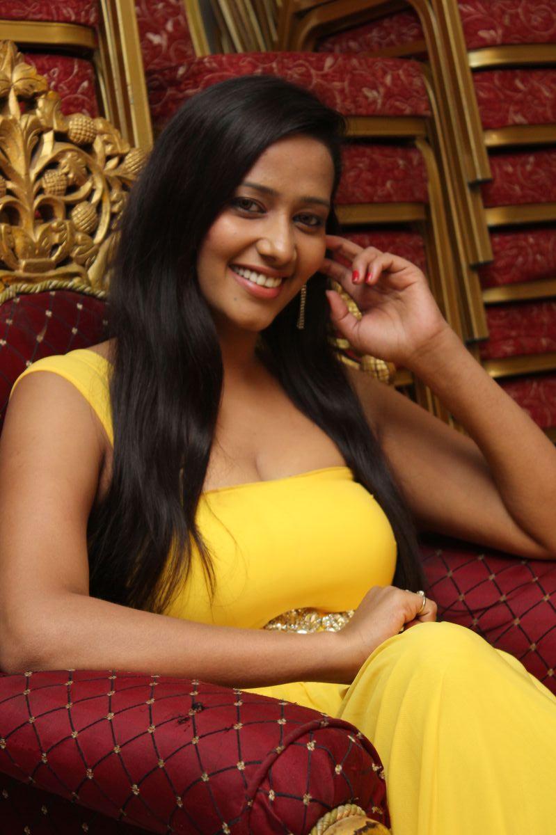 tamil actress without saree