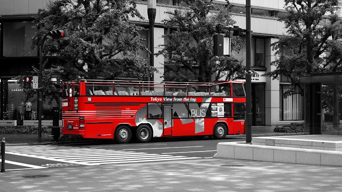 Wallpaper: Red Tokyo Bus