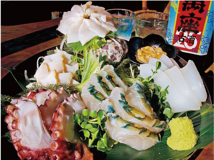 林公子生活遊記: 沖繩兩大美食的各式料理。歡迎您來品嘗評比一番!「本地種AGU豬」、「沖繩縣產和牛」等頂 ...