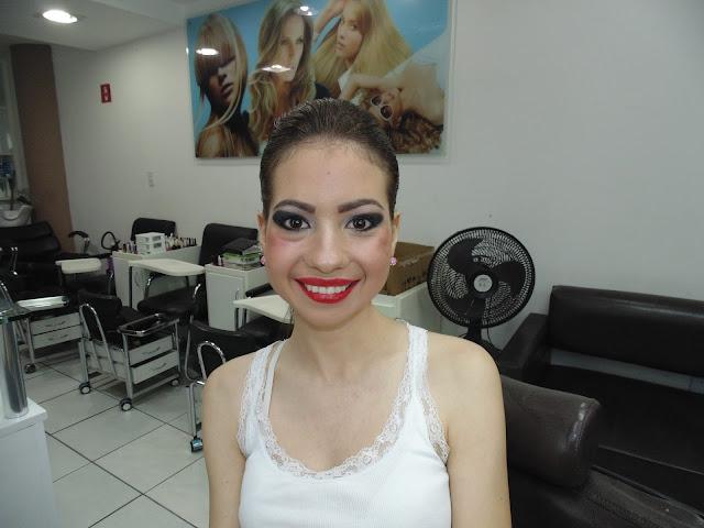 Salão Wanuza Alves, delineado de gatinho, maquiagem, Jardim da Penha, Salão Wanuza Alves Salão de beleza, maquiagem para festa de formatura