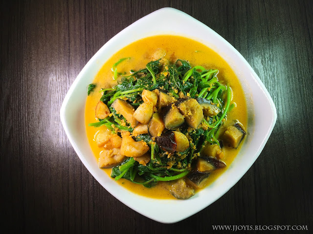 Chinese Spinach With Salted & Century Egg