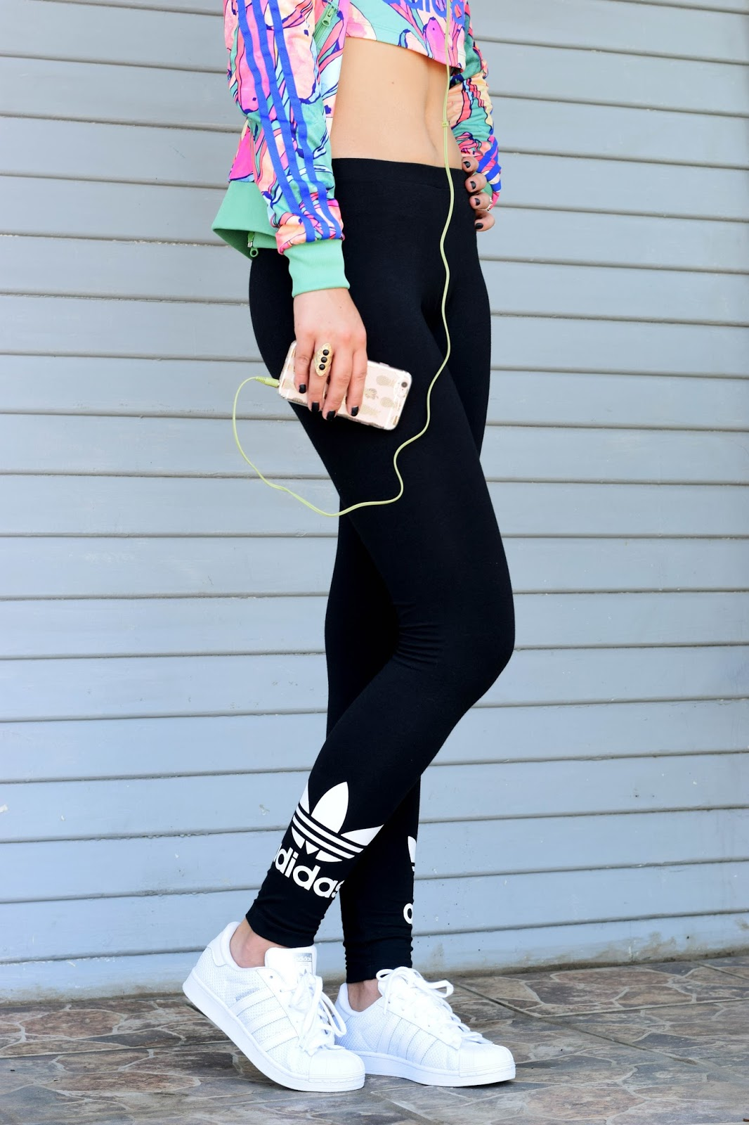 adidas, banana, what to wear on an airplane, travel, banana sweater, crop top, superstar adidas, sneakers, yoga pants