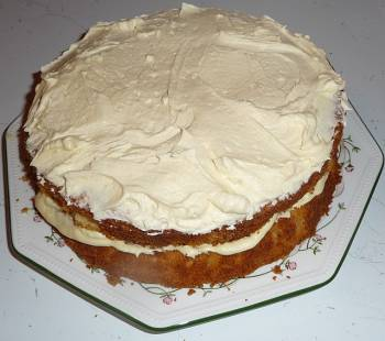 Lemon Icing Cake: Fresh And Tasty: What's Not To Love?