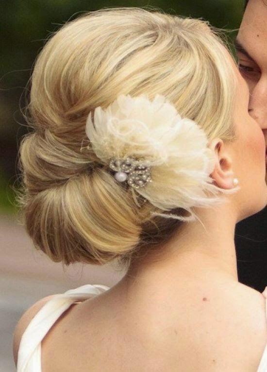5 Glamorous Wedding Updos for 2015}