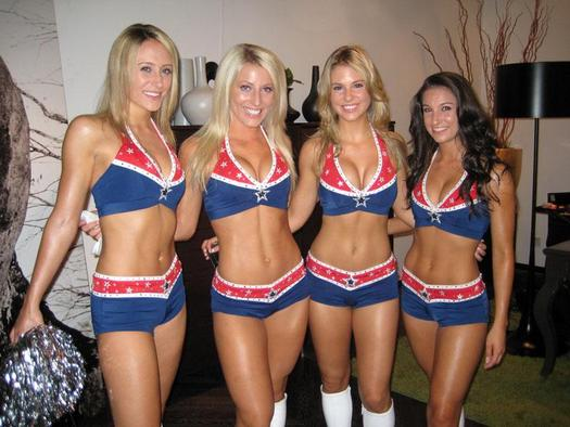 Cheerleaders, un mythe américain (2013)