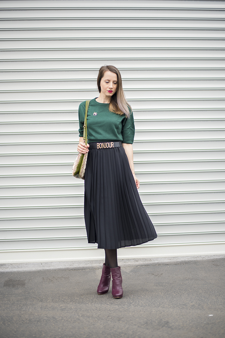 Skinny Buddha Romanian Fashion Blogger Pleated Skirt Crop Sweater