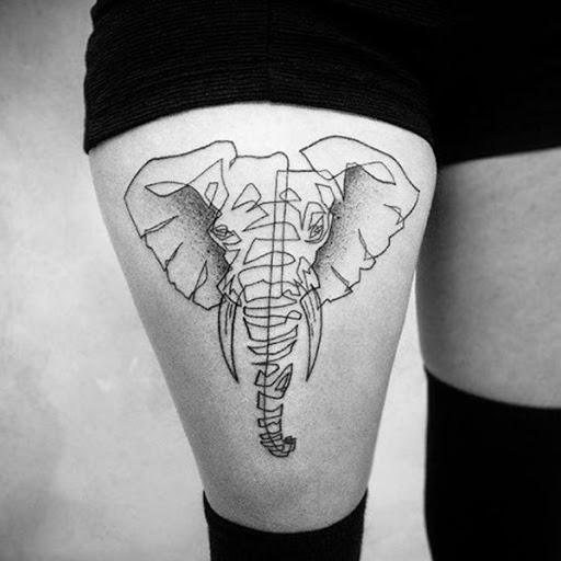 Um elefante retrato é criado usando uma única linha em preto e cinza tatuagem retratado em que o portador da coxa direita.