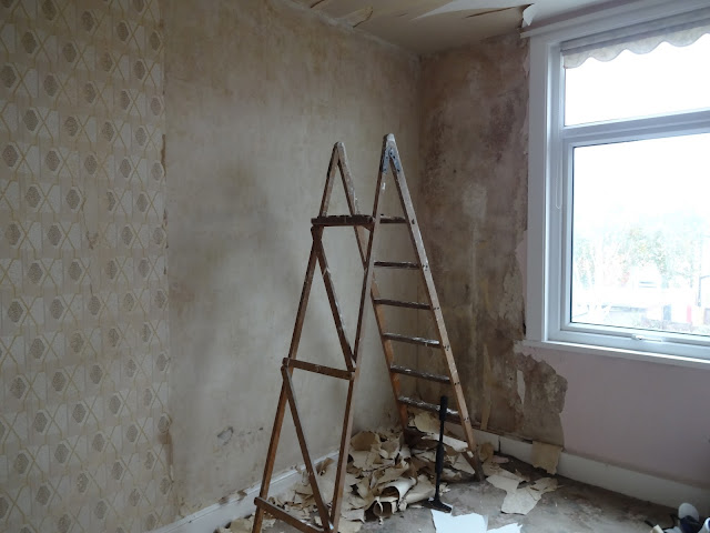removing 70s wallpaper