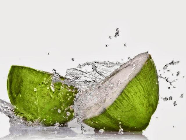 Luar Biasa! Air Kelapa Muda Ini Sangat Baik Untuk Kesehatan, manfaat dari air kelapa untuk tubuh