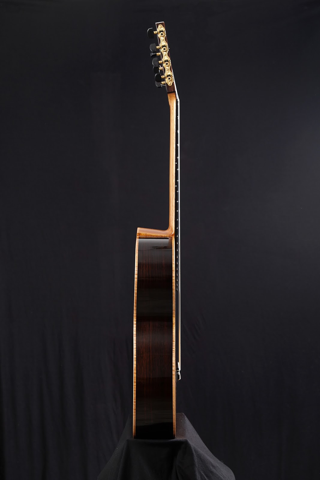 guitarras custom constru das por rodolfo cucculelli luthier 7 telli klasik gitar italyan. Black Bedroom Furniture Sets. Home Design Ideas