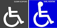 Dos iconos de una persona sentada en silla de ruedas. El primero, de Susan Koefoed, no tiene cabeza y el fondo es gris; el segundo, de Karl Montan, sí tiene cabeza y el fondo es azul.