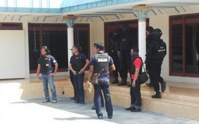 Dua Mobil Disita Polisi Dalam Penggerebekan Rumah Kades Perreng Burneh Bangkalan