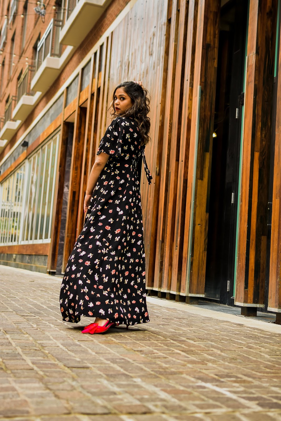 black rent the runway dress, gold mettalic jacket, bow pumps, kate spade heart heels, bauble bar earrings, dc blogger, style, fashion, street style, saumy shiohare, myriad musings