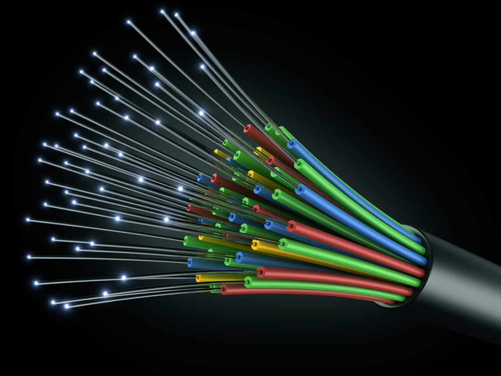 Au coin des rues des équipes de techniciens s affèrent pour le déploiement  de la fibre optique sur le territoire oésien (FTTH). 9e713153452e