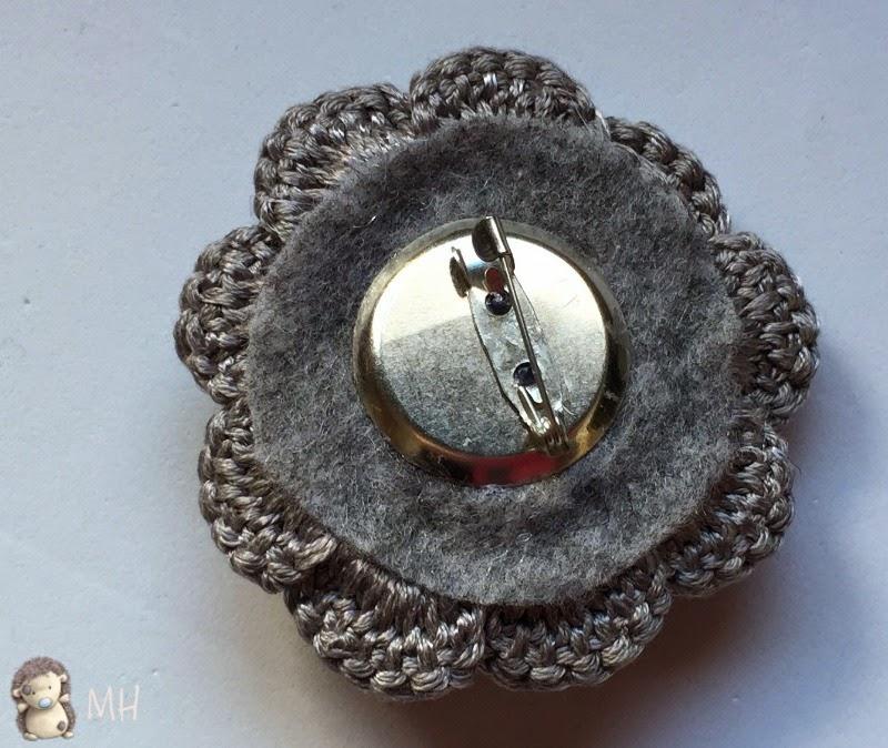 broche flor a crochet
