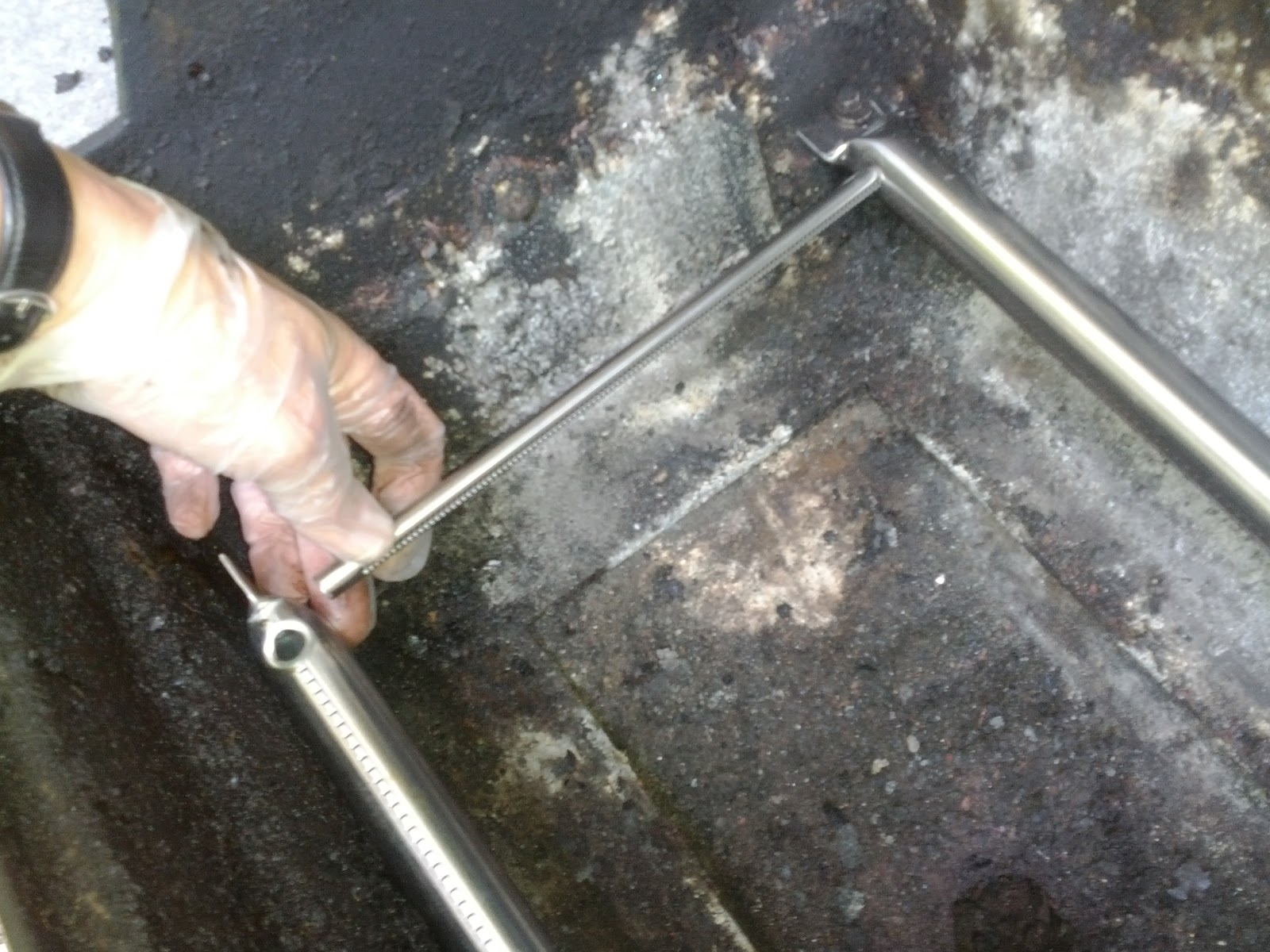 Weber Gas Grill Parts >> EfficiencyGeek: Replace your Weber Grill Burners and Igniter