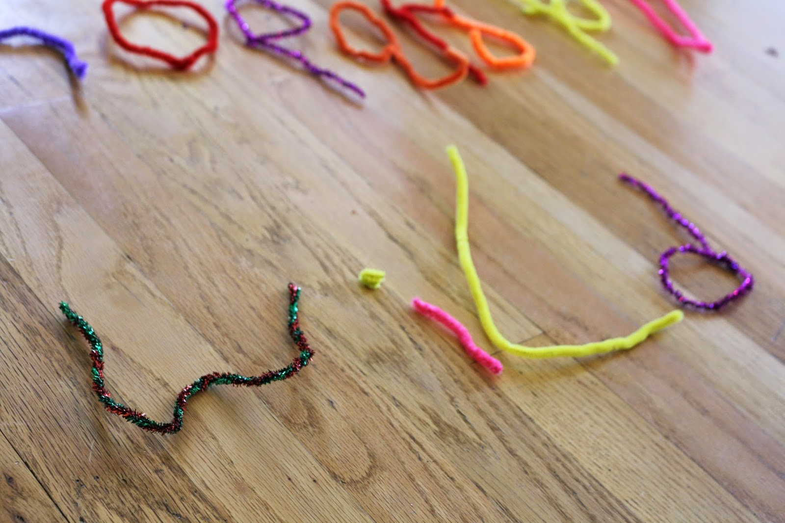 hands-on spelling practice with pipe cleaners