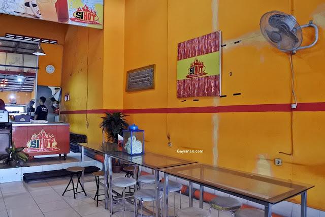 "Menikmati Sensasi Hot Siomay Hot Plate ""Si Hot"""