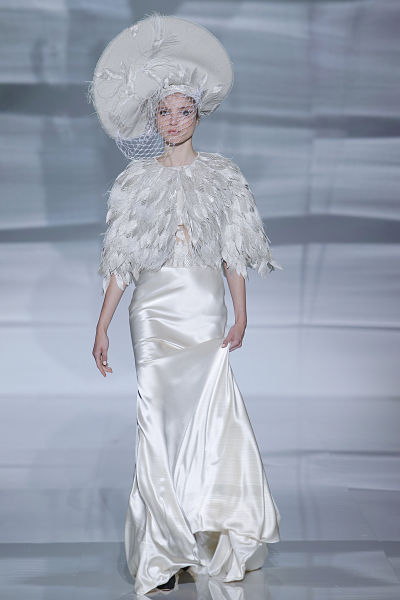 Propuesta de Isabel Zapardiez para novias 2016 - Foto: Barcelona Bridal Fashion Week