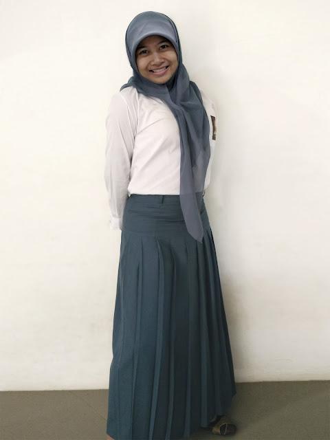 Model Rok Rempel Panjang Sekolah SMU Abu - Abu Murah