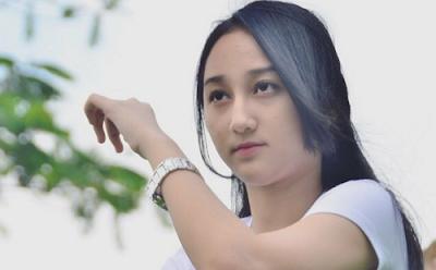 """""""Lirik Lagu Sandrina Azzahra - Goyang Dua Jari"""""""