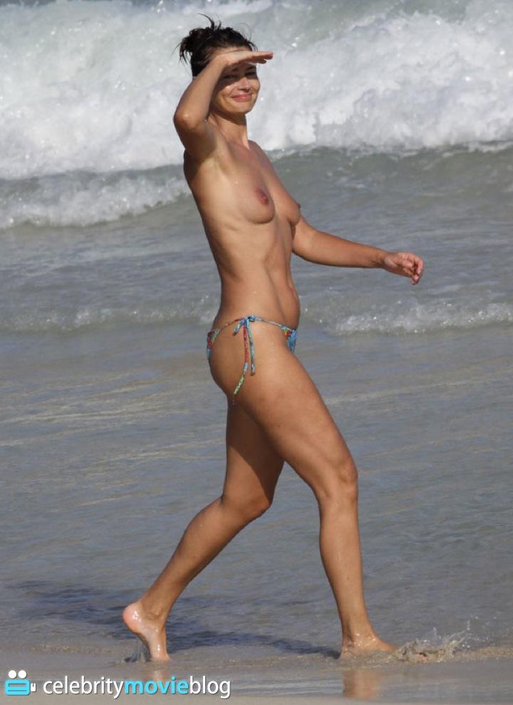 Paulina naked
