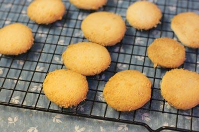 Cách làm Bánh quy bơ dừa tấm