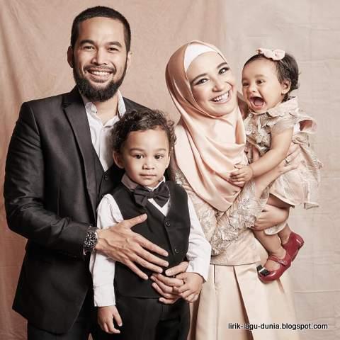 Teuku Wisnu dan Shireen Sungkar serta Anak - anak