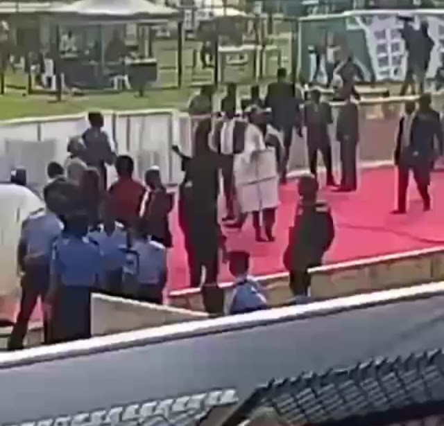 Confusion, As Ogun State Governor Amosun Instructs That APC Dapo Abiodun's Campaign Posters Be Brought Down At Rally
