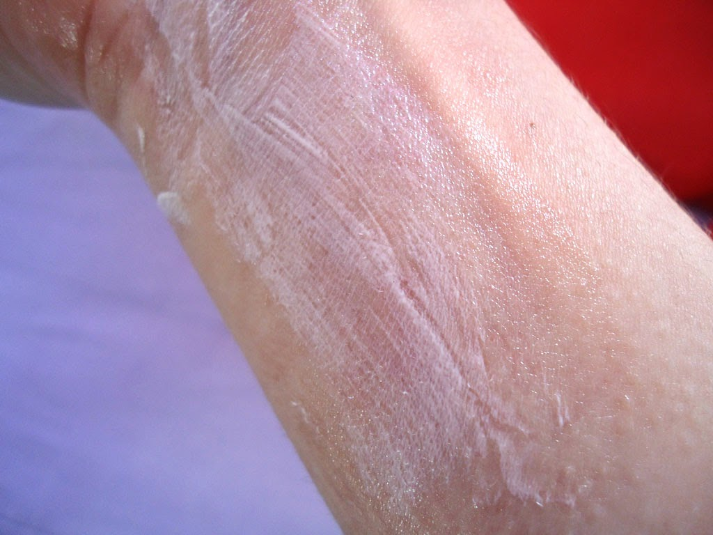 textura, fotoprotector, Isdin, gel crema, piel mixta, piel grasa, pantalla solar, protector solar, review, rostro, sol